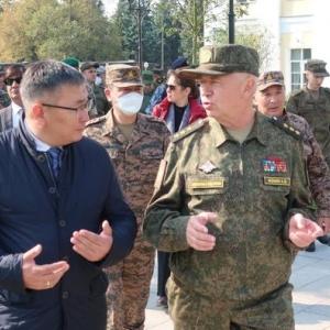 국방부 B.Bayarmagnai 차관은 러시아를 방문