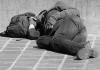 기온 내려가면서 밤에 도움 청하는 노숙자 급증
